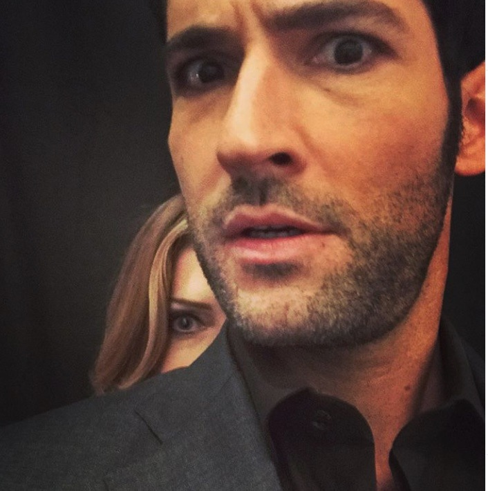 Tricia Helfer, Mom/Charlotte Richards, Tom Ellis, Lucifer Morningstar, Lucifer-https://www.instagram.com/p/BYED_0MHDj8/