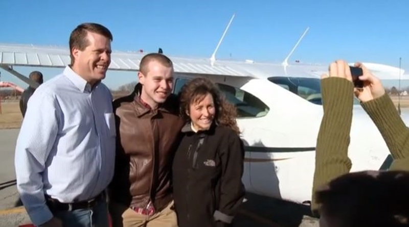 Counting On Duggar family aircraft and helicopters