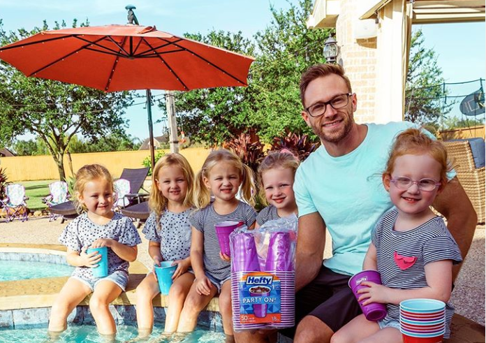 Outdaughtered, Instagram