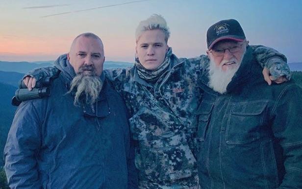 Todd Hoffman, Hunter Hoffman, Jack Hoffman, Gold Rush, Discovery-https://www.instagram.com/p/B1kFfAsj_VE/