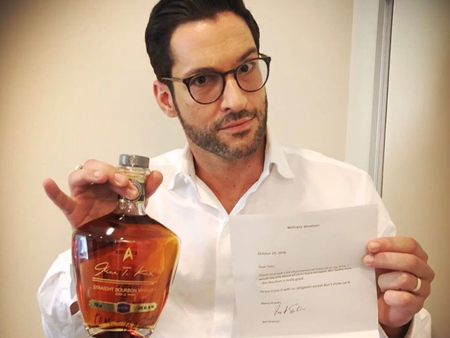 Tom Ellis, Lucifer-https://www.instagram.com/p/B3NwMtsjfmy/