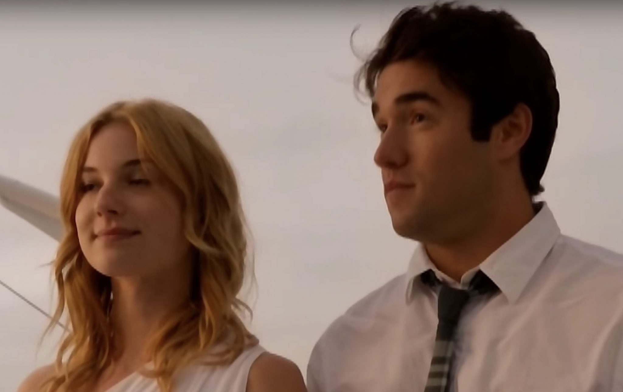 Emily VanCamp, Emily Thorne, Josh Bowman, Daniel Grayson-https://www.youtube.com/watch?v=R1C8ygebkng
