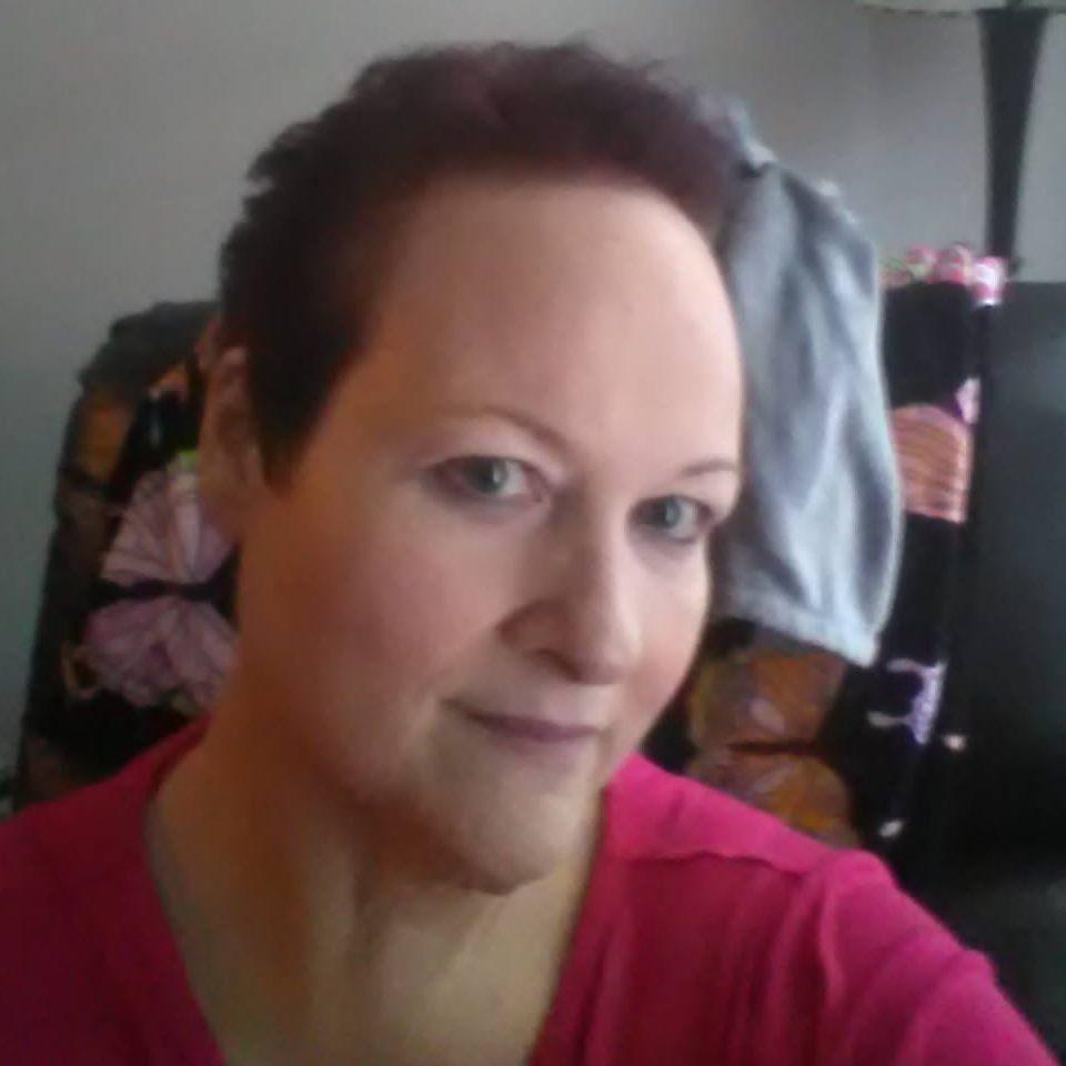 Janine Mueller, Facebook