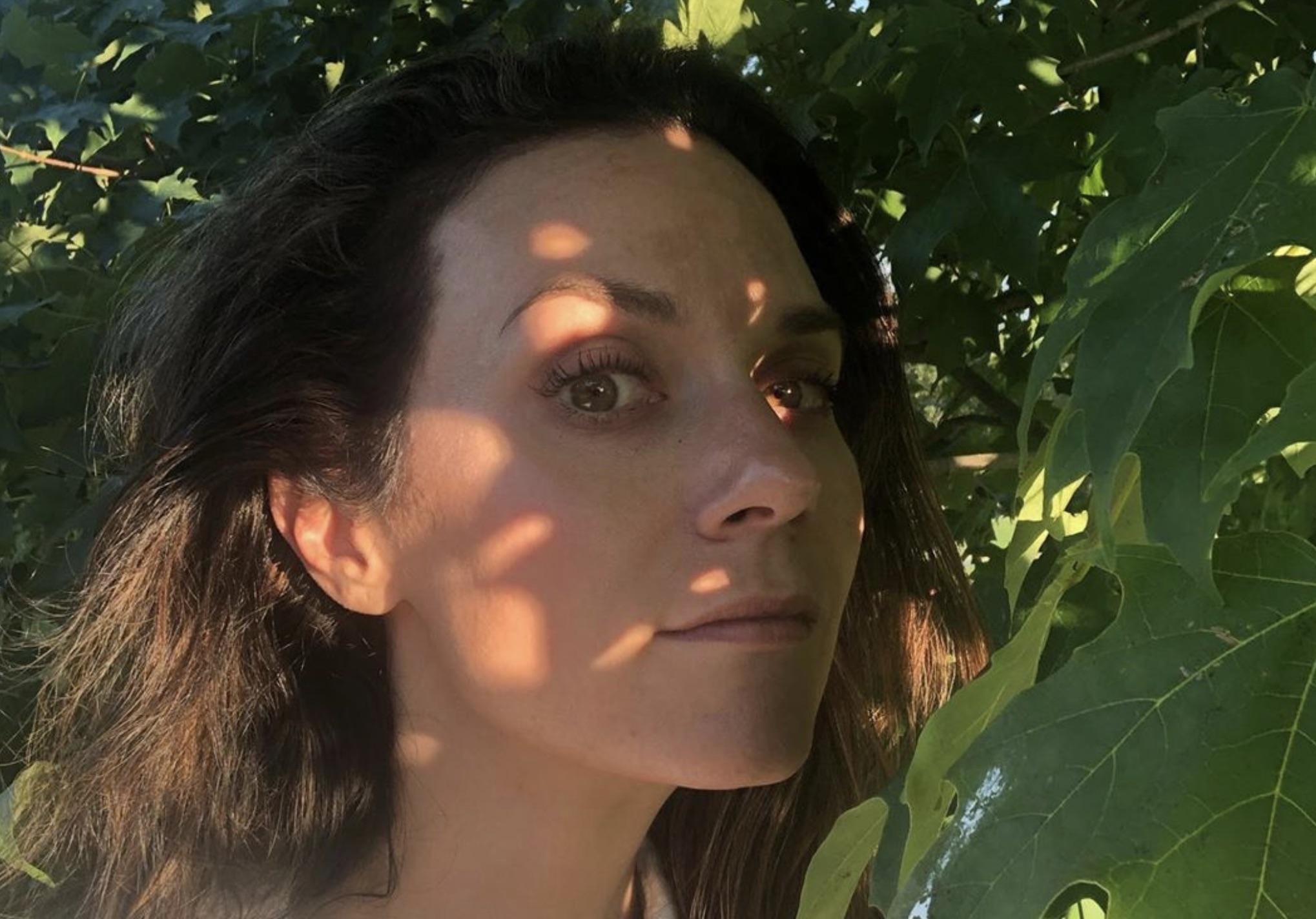 Hilarie Burton, Hallmark-https://www.instagram.com/p/B19ylftlsuV/