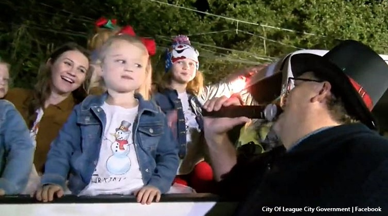 OutDaughtered League City Christmas parade