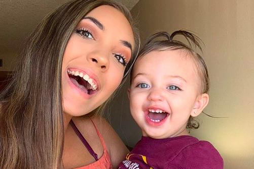 Unexpected star Chloe Mendoza Instagram