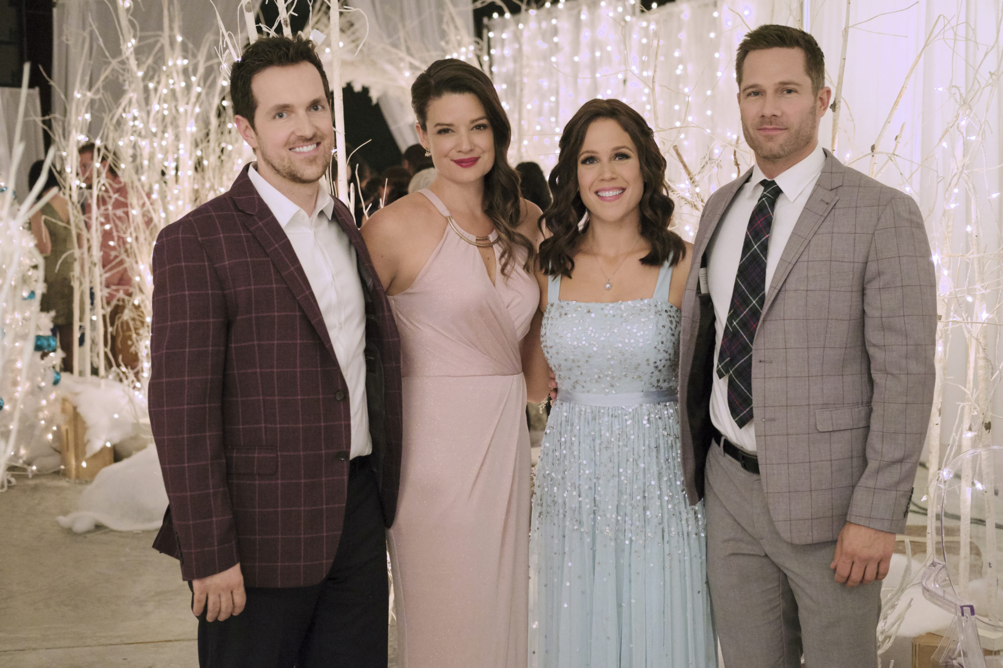 Photo: Jason McKinnon, Kimberly Sustad, Erin Krakow, Luke Macfarlane Credit: ©2019 Crown Media United States LLC/Photographer: Eike Schroter