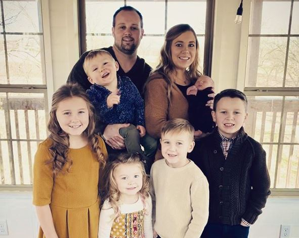 Anna and Josh Duggar with kids Instagram