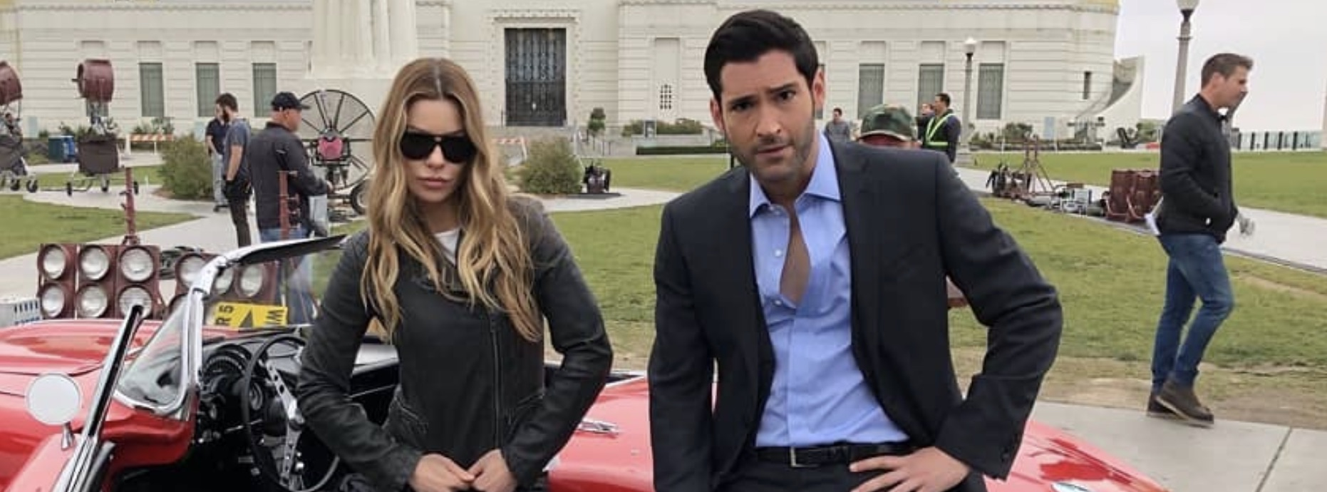 Lauren German, Chloe Decker, Tom Ellis, Lucifer Morningstar, Netflix-https://www.instagram.com/p/BojWc6PjoR4/