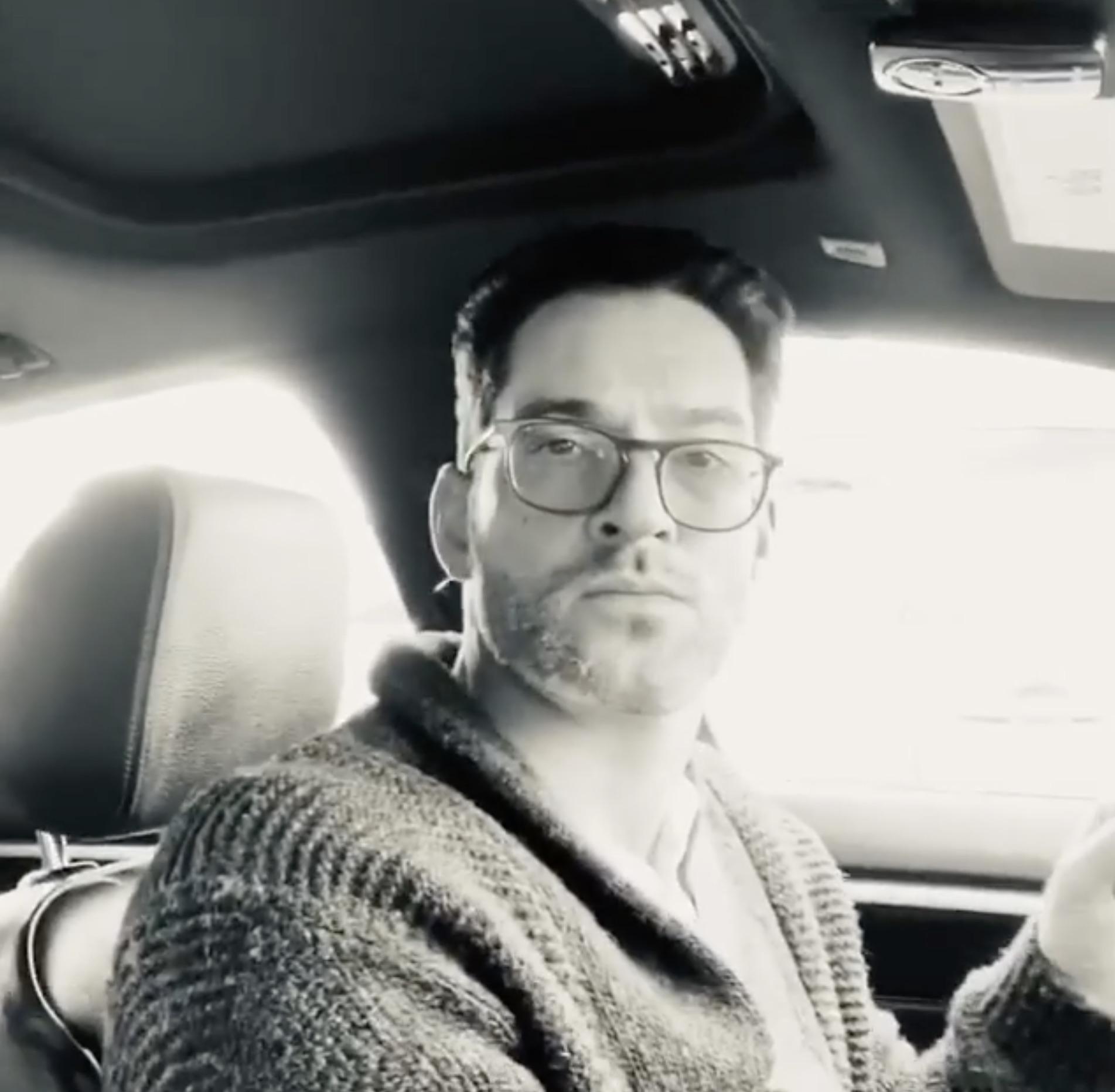 Tom Ellis, Lucifer-https://www.instagram.com/p/B84z9yYpPgs/