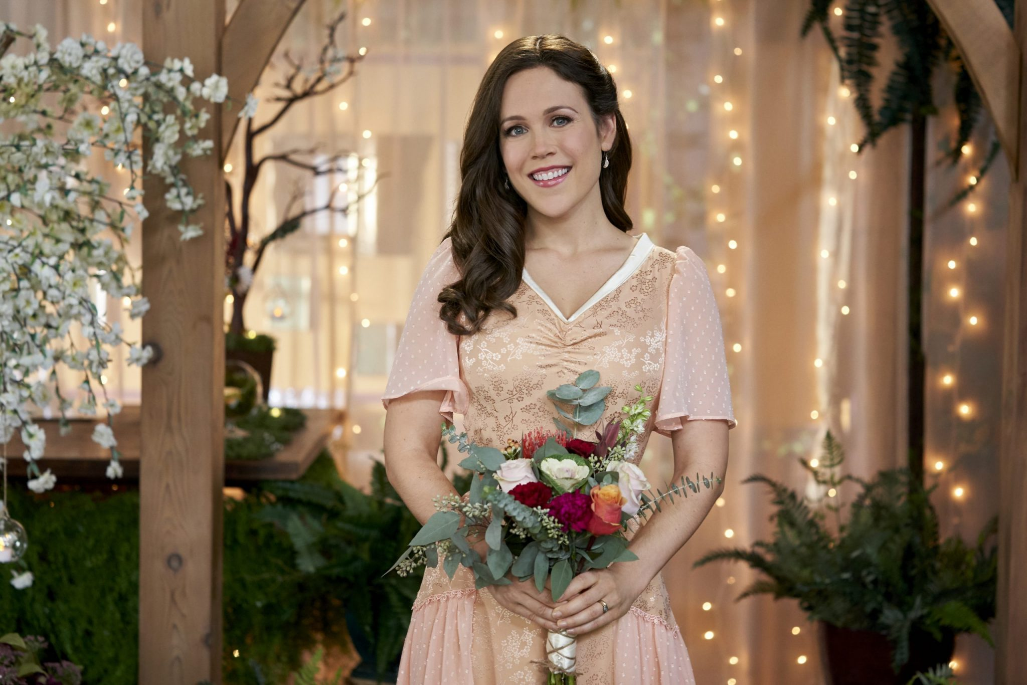 Hallmark, Elizabeth gets the people of Hope Valley to band together as only they can to give Clara and Jesse the wedding of their dreams. Photo: Erin Krakow Credit: ©2020 Crown Media United States LLC/Photographer:Ricardo Hubbs