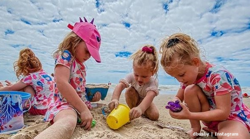 OutDaughtered busby beach trip