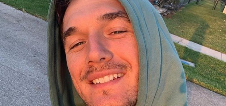 tyler cameron instagram selfie