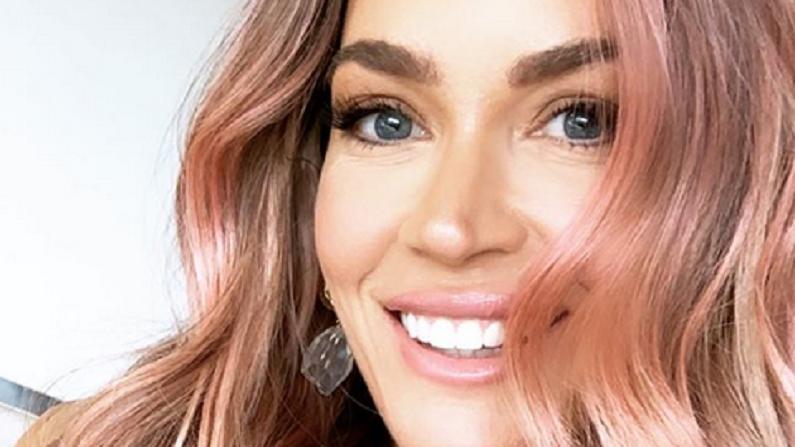 teddi mellencamp pink hair instagram selfie