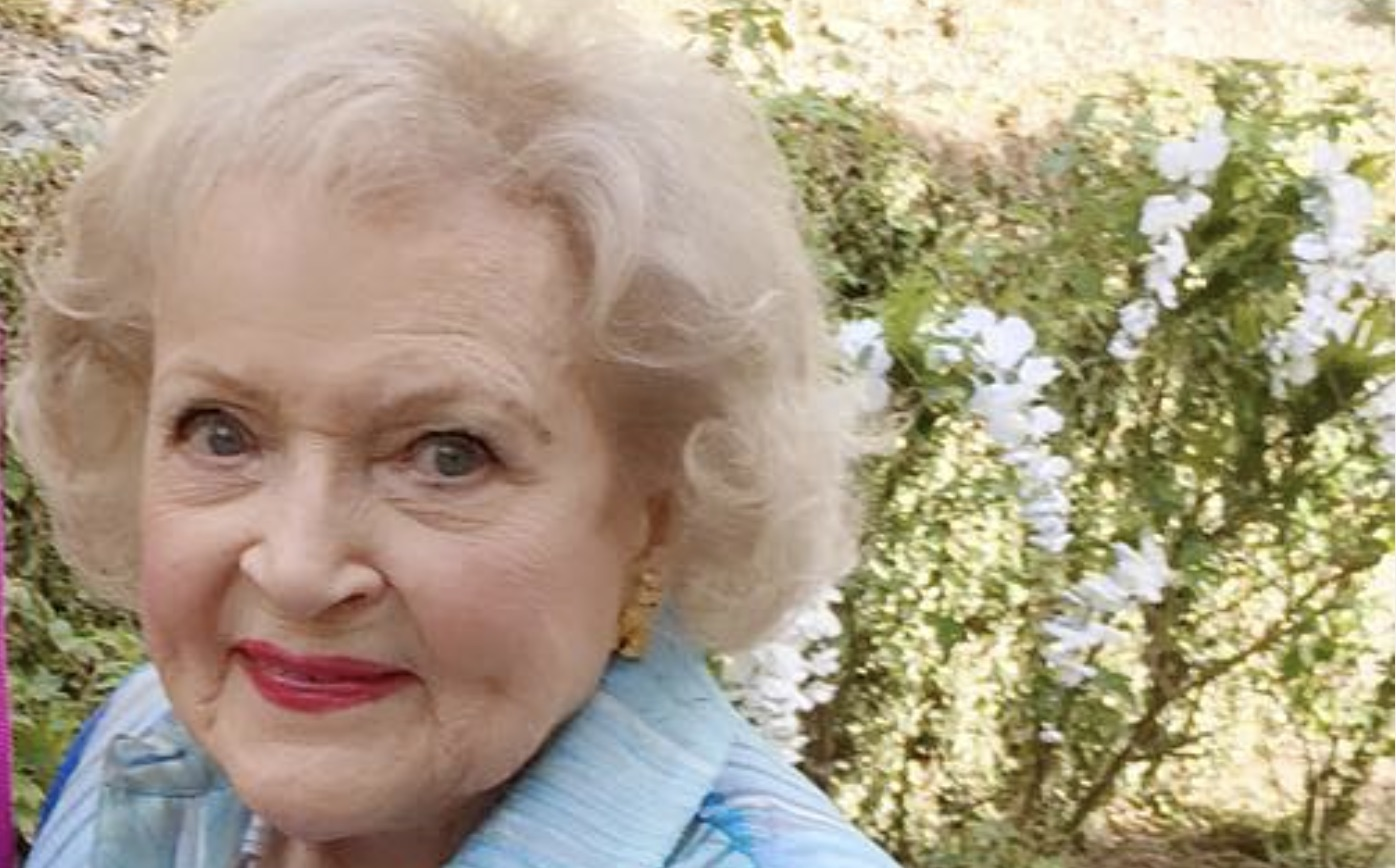 Betty White, Lifetime Christmas Movie-https://www.instagram.com/p/_UljQWA0dP/