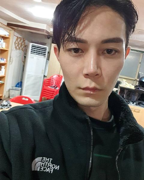 90 day fiance jihoon selfie
