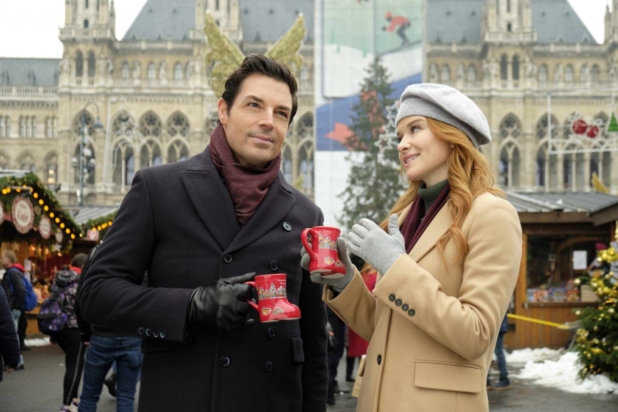 Hallmark, Christmas in Vienna, Photo: Brennan Elliott, Sarah Drew Credit: ©2020 Crown Media United States LLC/Photographer: Petro Domenigg