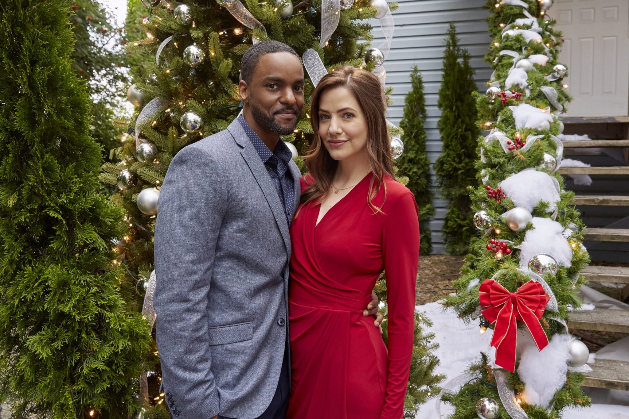 Hallmark, Jingle Bell Bride, Photo: Ronnie Rowe Jr., Julie Gonzalo Credit: ©2020 Crown Media United States LLC/Photographer: Ryan Plummer