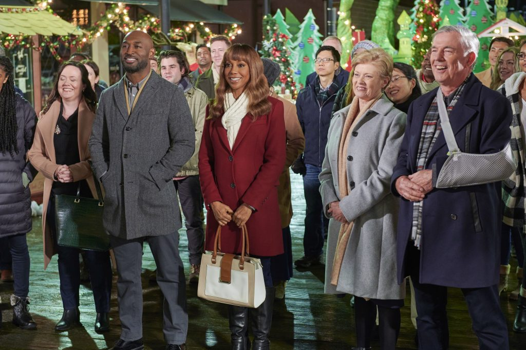 Hallmark, The Christmas Doctor, Photo: Adrian Holmes, Holly Robinson Peete, Cynthia Peterson, Fred Henderson Credit: ©2020 Crown Media United States LLC/Photographer: Hugh Tull