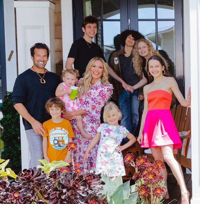 braunwyn windham-burke family photo on instagram