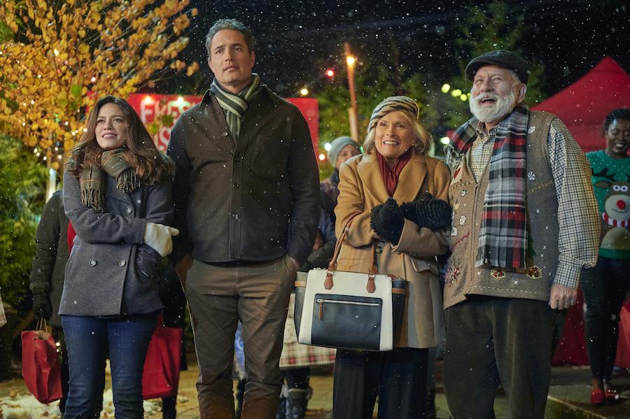 Hallmark, Five Star Christmas, Photo: Bethany Joy Lenz, Victor Webster, Paula Shaw, Jay Brazeau Credit: ©2020 Crown Media United States LLC/Photographer:Kailey Schwerman