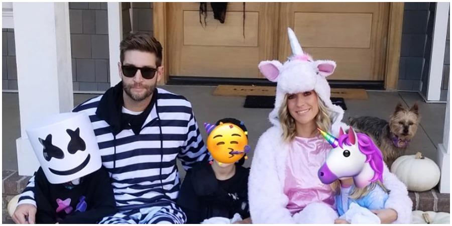 Kristin Cavallari and Jay Cutler with their children on Halloween. (Kristin Cavallari/Instagram)