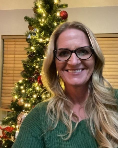 Sister Wives - Christine Brown Christmas Tree Selfie