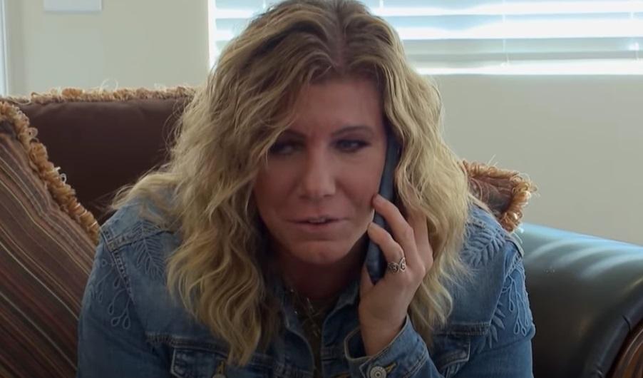 Sister Wives - Meri Brown on phone