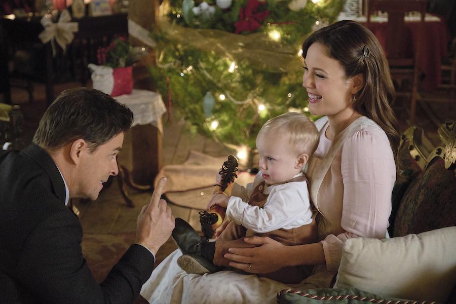 When Calls The Heart Christmas, Photo: Kavan Smith, Gunnar/Lincoln Taylor, Erin Krakow Credit: ©2019 Crown Media United States LLC/Photographer:David Dolsen