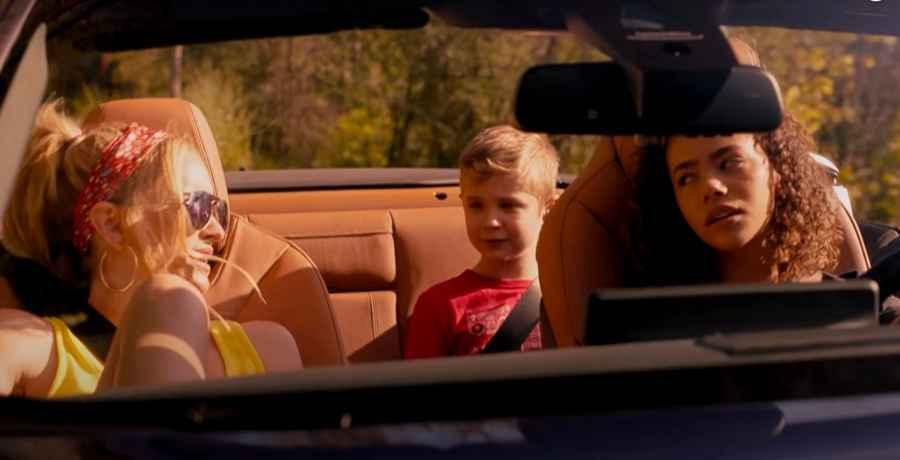 Antonia Gentry as Ginny and Brianne Howey as Georgia on the Netflix show Ginny & Georgia