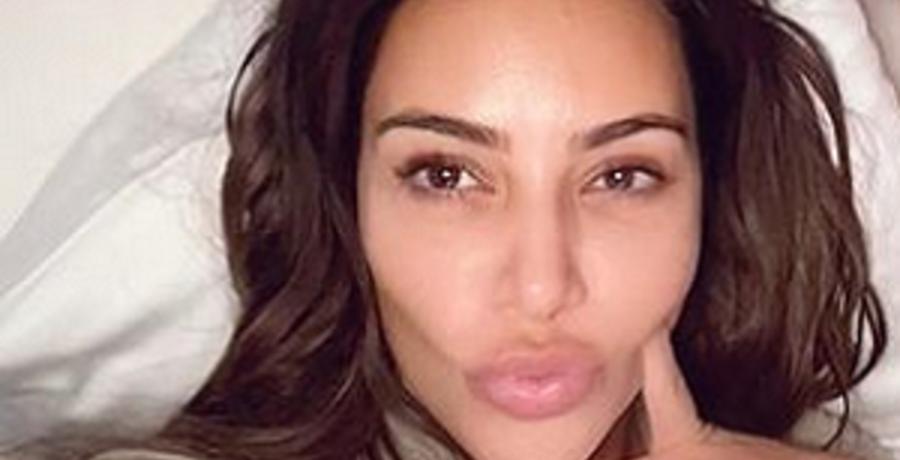 kim kardashian instagram selfie