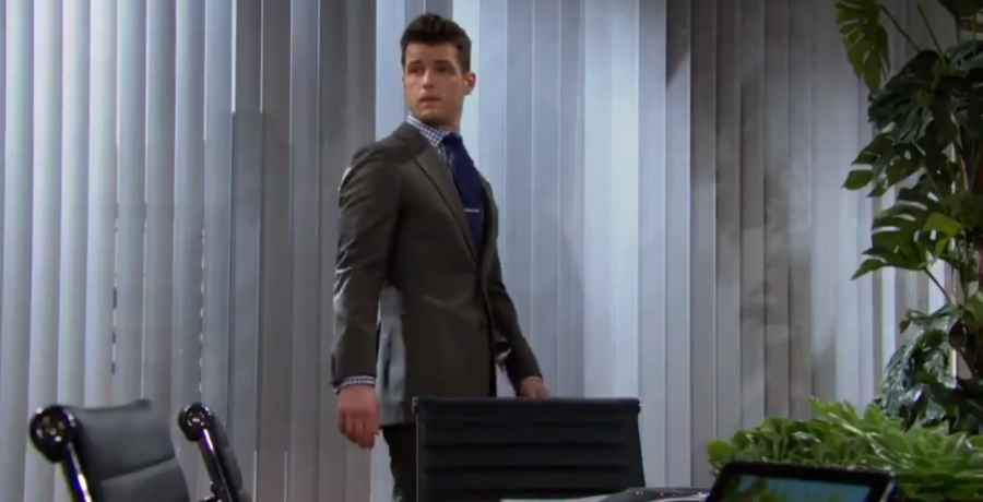 Kyle confides in Mariah about what happened in New York on The Young and the Restless