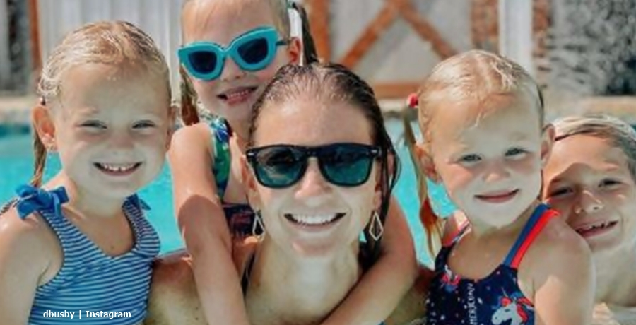 OutDaughtered Quints swimming pool