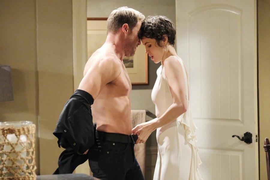 Rex Brady (Kyle Lowder) - Sarah Horton (Linsey Godfrey ) - NBC