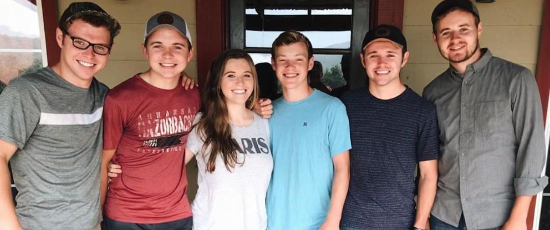 Joy-Anna Duggar Instagram, Joy-Anna Duggar family photo