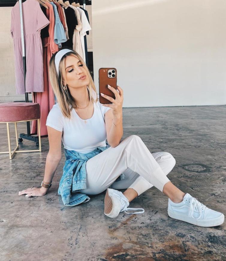 Carlin Bates Instagram