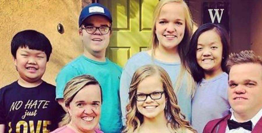 7 Little Johnstons Amber - anna- trent- family- tlc