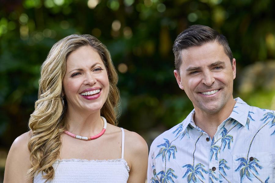 Hallmark, You Had Me at Aloha-Photo: Pascale Hutton, Kavan Smith Credit: ©2021 Crown Media United States LLC/Photographer:Zack Dougan