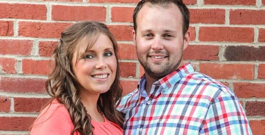 Duggar Family Official Facebook, Josh and Anna Duggar