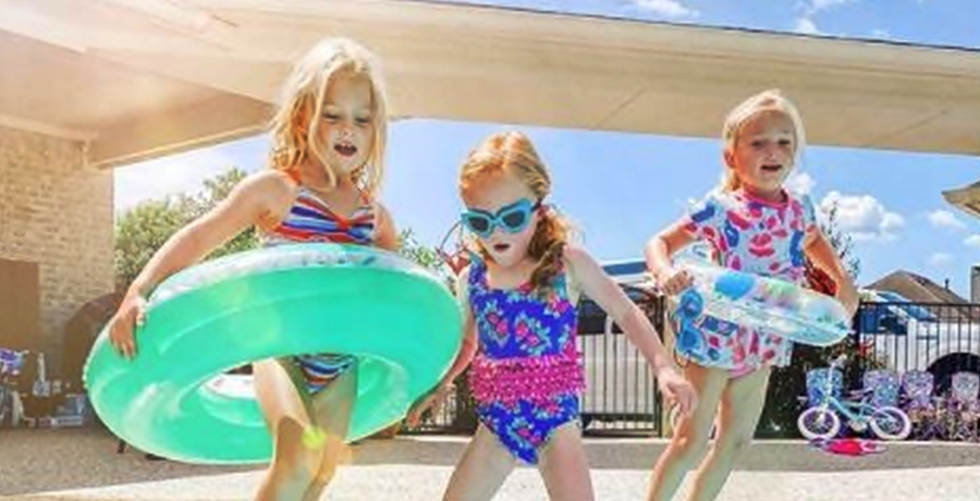 OutDaughtered quints pool
