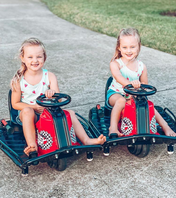 Busby twins/Credit: Danielle Busby/Instagram