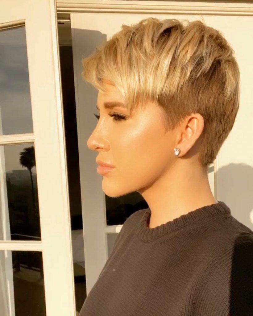 Savannah Chrisley. hair embed 2