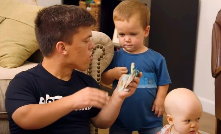 Little People  Big World Zach Roloff Tori Roloff Jackson Roloff Youtube