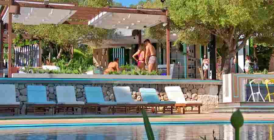 YouTuber prankster Omer Majid broke into the Love Island villa