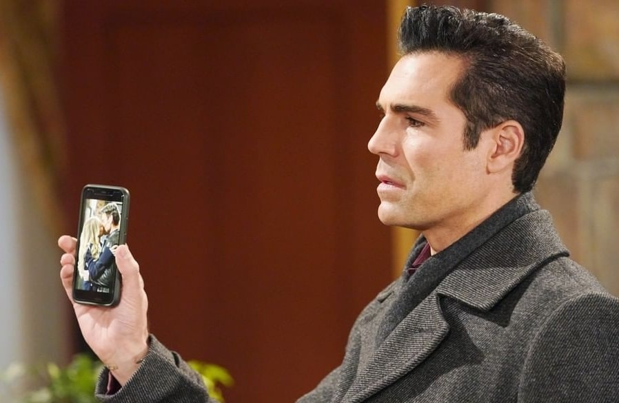 Young and the Restless - Rey Rosales - Jordi Vilasuso