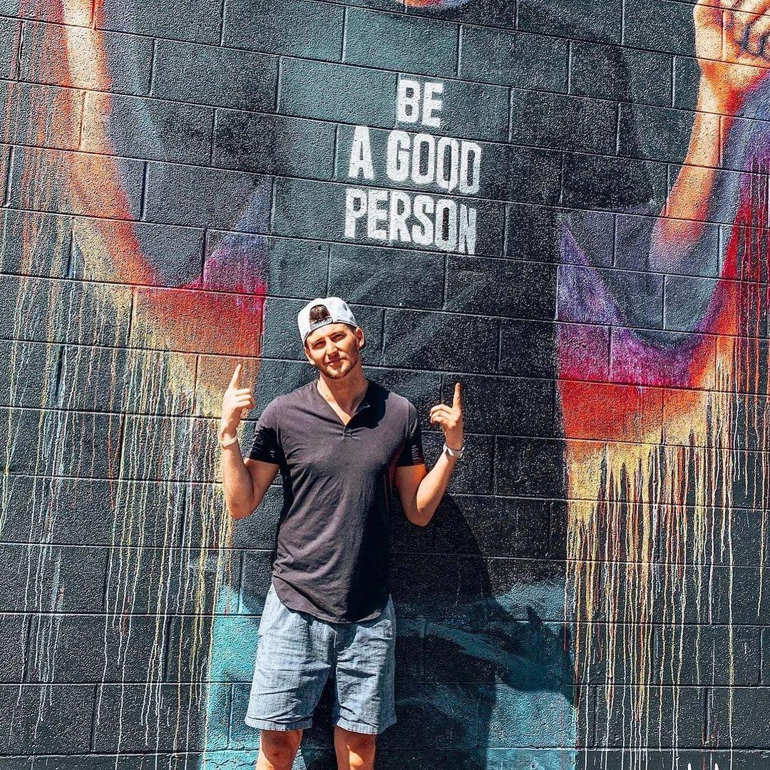 Instagram, Blake Horstmann
