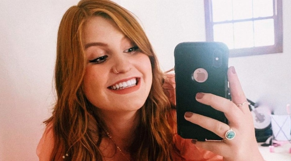 Isabel Roloff Instagram 1 (red hair)