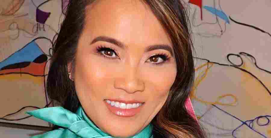 How much would it cost or a session with Dr. Pimple Popper star Dr. Sandra Lee