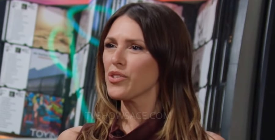 Young and the Restless Chloe Mitchell Elizabeth Hendrickson