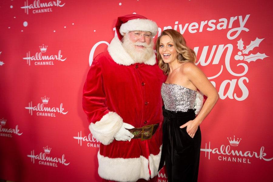 Christmas- Photo: Candace Cameron Bure Credit: ©2019 Crown Media United States LLC/Photographer:Alexx Henry/Alexx Henry Studios, LLC